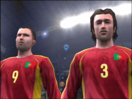 Pro Evolution Soccer 4: Fan-Block-Wechsel - Leser-Test von photographiker